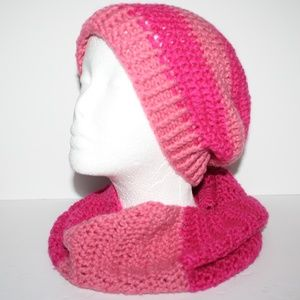 Nwot Pink crochet hat and cowl set, scarf & beanie
